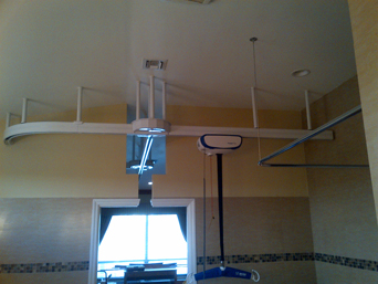 Ceiling Lift with Automatic Turntable